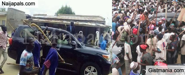 Jigawa State Governor, Badaru Abubakar's Motorcade Surrounded By His 'Armed Militia Force'