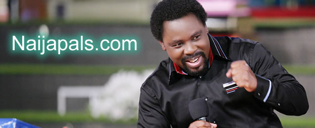 TB Joshua Donates N12M Cash To Nigerians Coming Back From South African