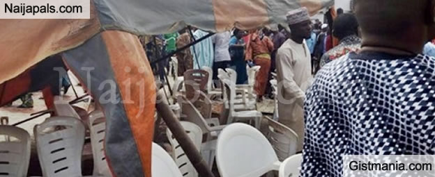 Just In: Angry Mob Collapses Canopy On Amosun, Akeredolu, Others At Adeleke's Burial (PHOTO)