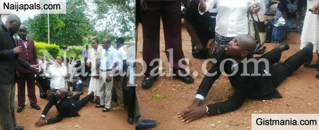 LMAO! Late Comers Kneel To Beg Gov. Fayose At Ekiti State Civil Service - Photos