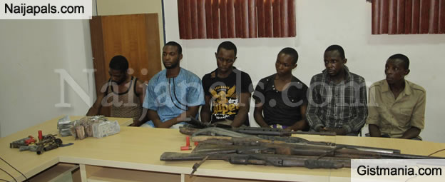 Cultists Belonging To The Iceland Confraternity Apprehended With Guns And Huge Sum Of Money (PHOTOS)