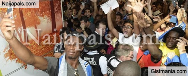 Drogba Mobbed by Fans as He Arrives Canada to Join The MLS League (PHOTOS)