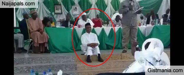 Photo Of Governor El-Rufai Sitting On The Floor At A Meeting In Kaduna State