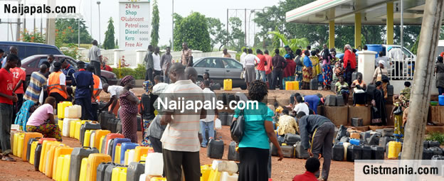 Soldiers Take Over Capital Oil Petrol Station at Ojodu & Scare Away Consumers