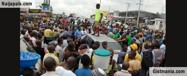 Breaking News: Taxi Drivers Begin Protest In Akure Over Fuel Scarcity