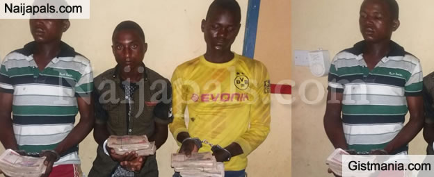 Nigerian Soldiers Arrest Notorious Kidnappers With Cash Paid As Ransom In Bauchi - Photos
