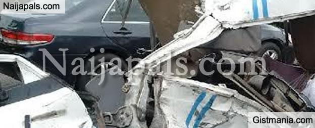Horrific Accident Along Lagos Ibadan Express Way (Very Graphic Photos)