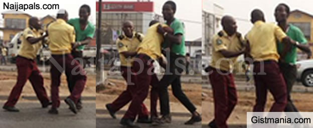 """Photos: Big Fight As LASTMA Officials And Bus Driver """"Battle It Out"""" In Lagos Traffic"""