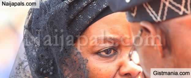 ugabe's Widow, Grace Mugabe Shares Her Sad Moment With Obasanjo In Tears