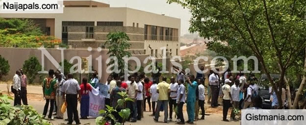 See Photos Of Anti-Xenophobia Protest Outside South Africa High Commission,Abuja