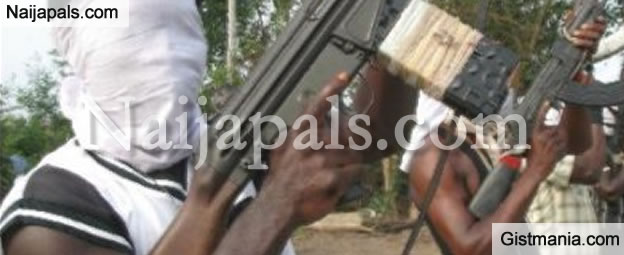 Armed Robbers Snatch Guy's Car Using Lady Who Pretended To Be In Distress