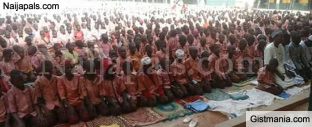 Primary School Pupils In President Buhari's Hometown, Daura Prays For Him (Photos)