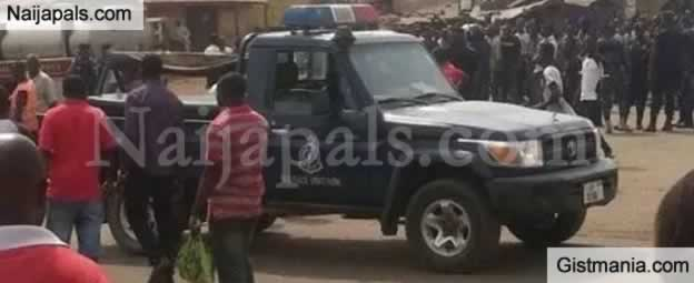 Video: Nigerian Spare Parts Dealers' Shops Attacked And locked Up By Natives In Ghana