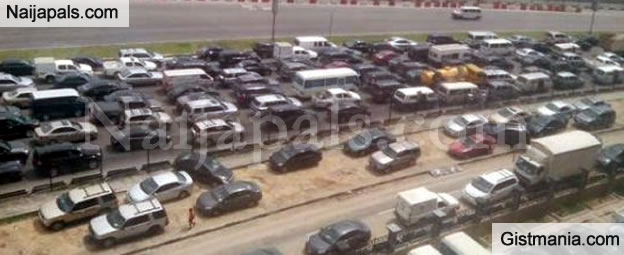 Lagos Traffic Comes To A Halt As VP Osinbajo Visits The State