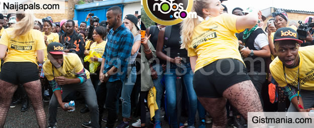 Meet The White Girl That Can Shake Her Bum Faster Than Most Black Girls - Video